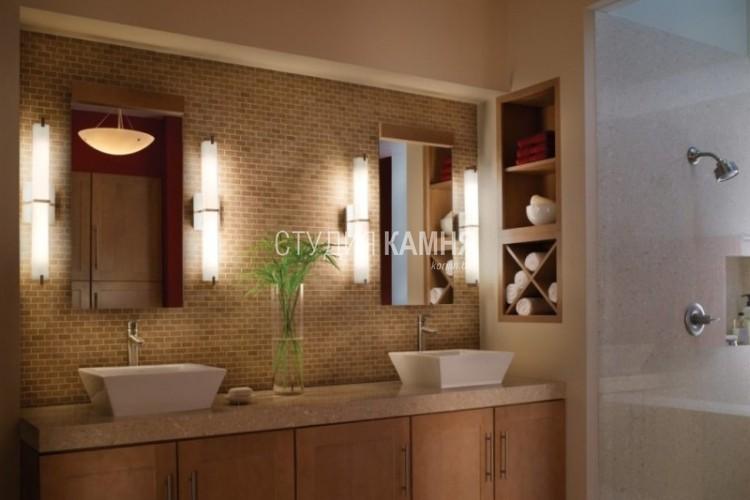 Светильник в ванной лучше