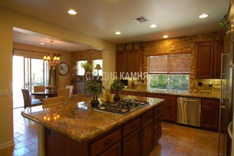 Столешница с кухонным островом и вырезом под плиту