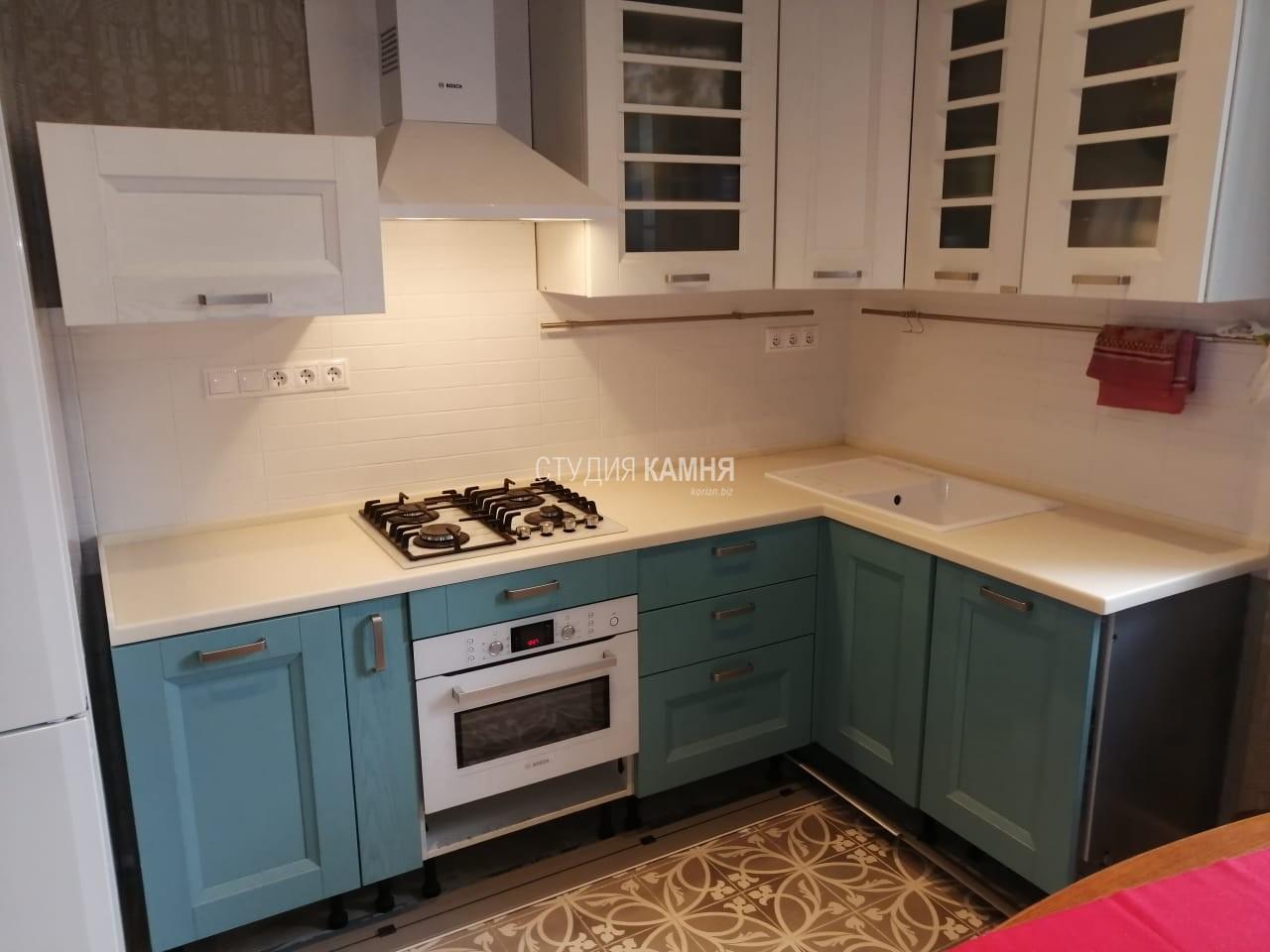 Столешница кухонная белая из искусственного камня