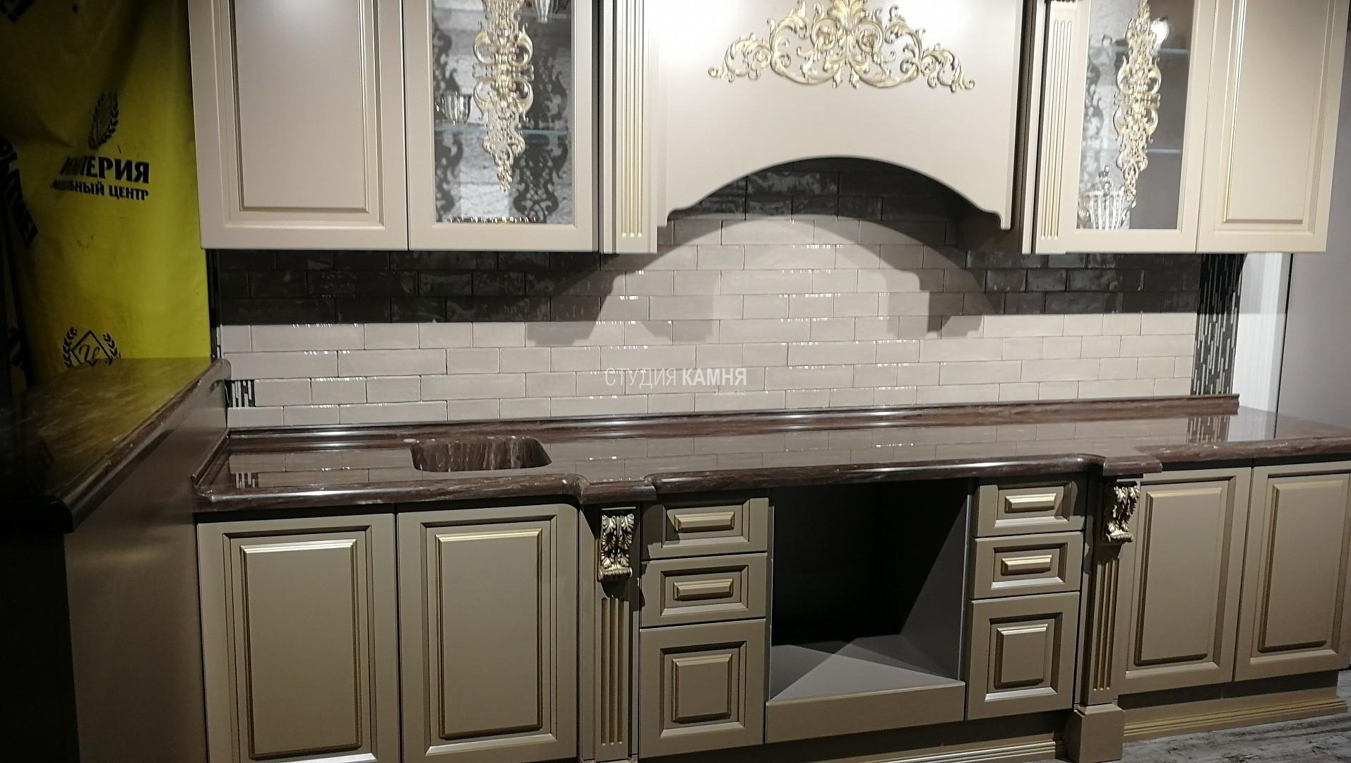 Столешница кухонная с мойкой и комплектом разделочных досок